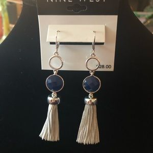 NWT Nine West earrings 🎊